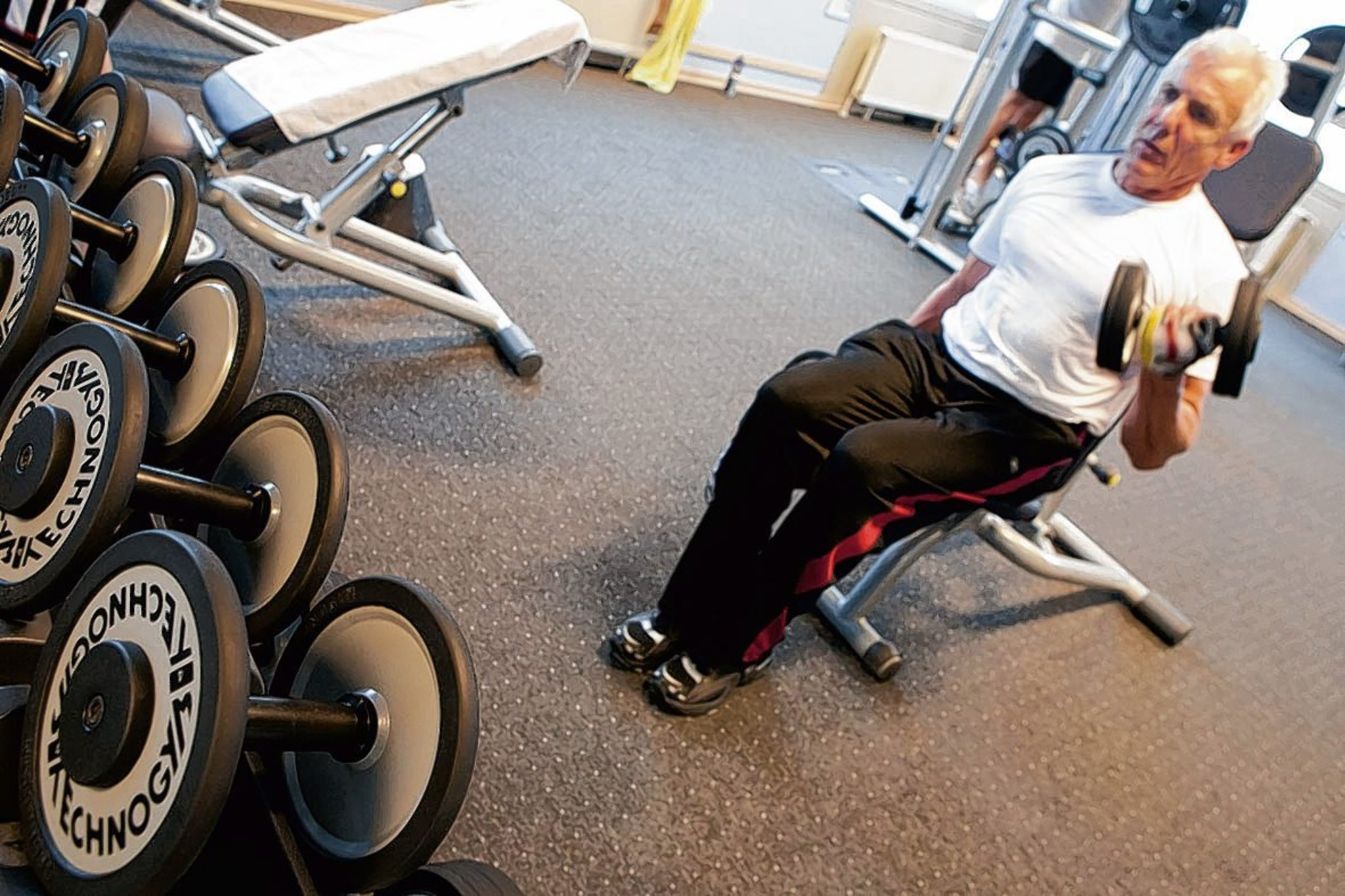 das richtige fitnessstudio f r senioren mitte. Black Bedroom Furniture Sets. Home Design Ideas