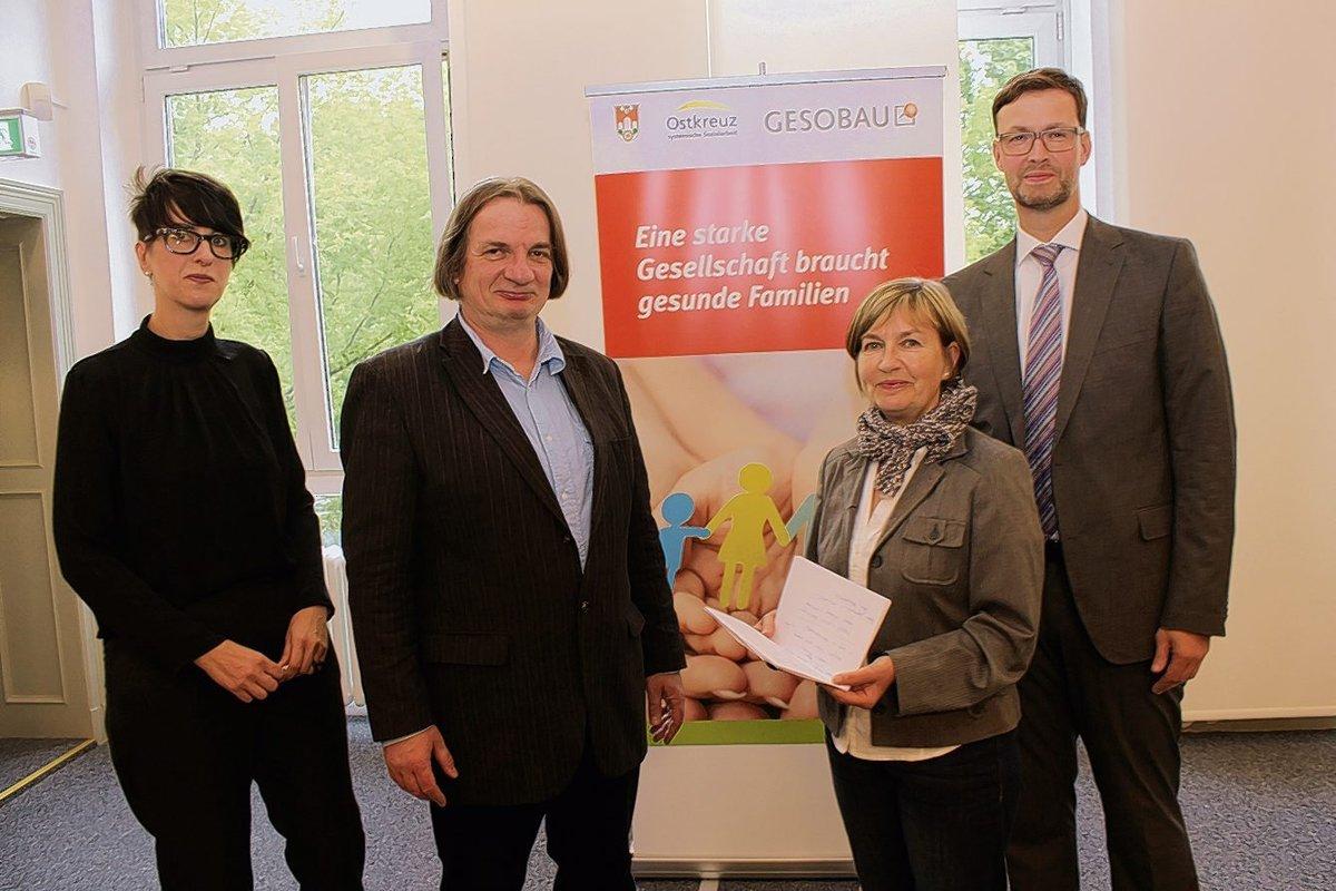 Gesobau-Sozialmanagerin Helene Böhm, Ostkreuz-Geschäftsführer Michael Hofert, Jugendstadträtin Christine Keil und Gesobau-Prokurist Lars Holborn.