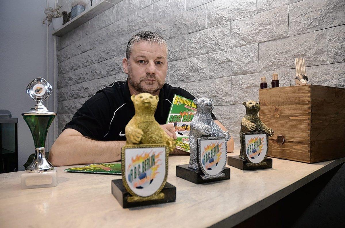 Ronny Range hat 2013 den Range Bau Cup für U17-Teams ins Leben gerufen. Neben Pokalen werden Berliner Bären in Gold, Silber und Bronze vergeben.