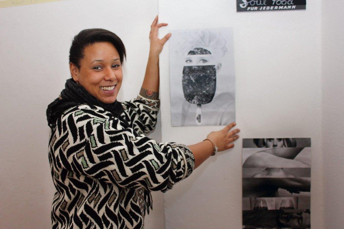 Solange Hildebrand studiert im vierten Semester Malerei. Sie bereitet gerade eine Ausstellung mit Collagen vor.