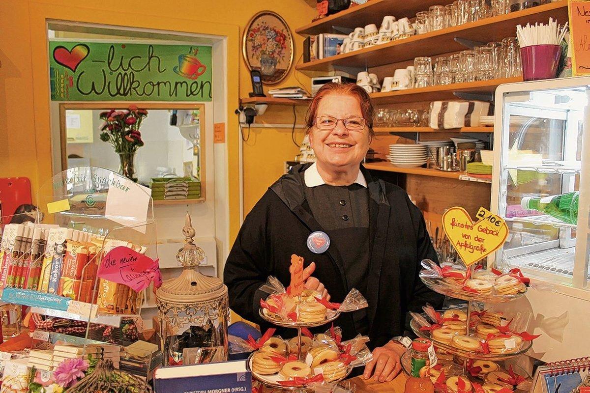Schwester Inge Ist Die Chefin Vom Cafe Innehalt Hansaviertel
