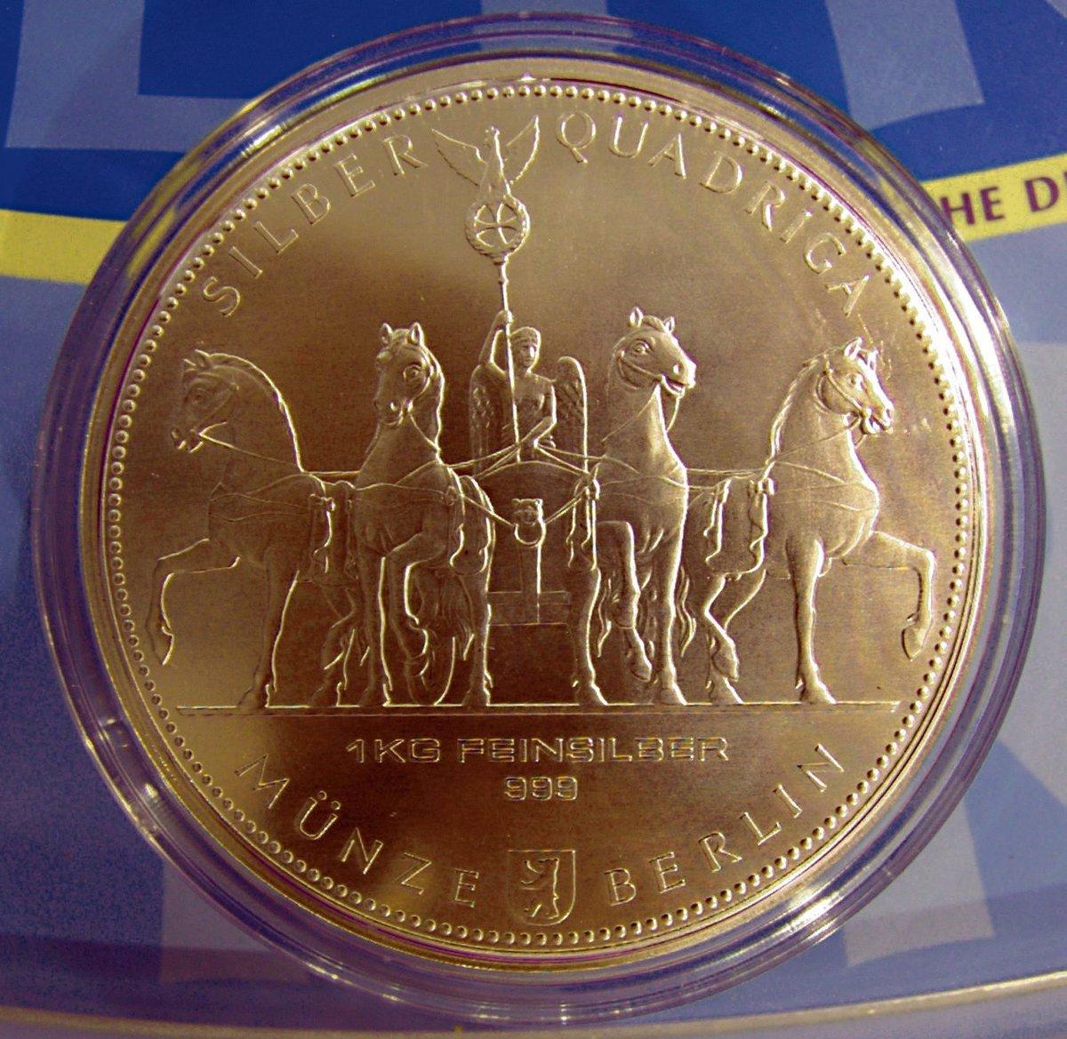 Staatliche Münze Prägt Große Und Schwere Silbermedaille Reinickendorf