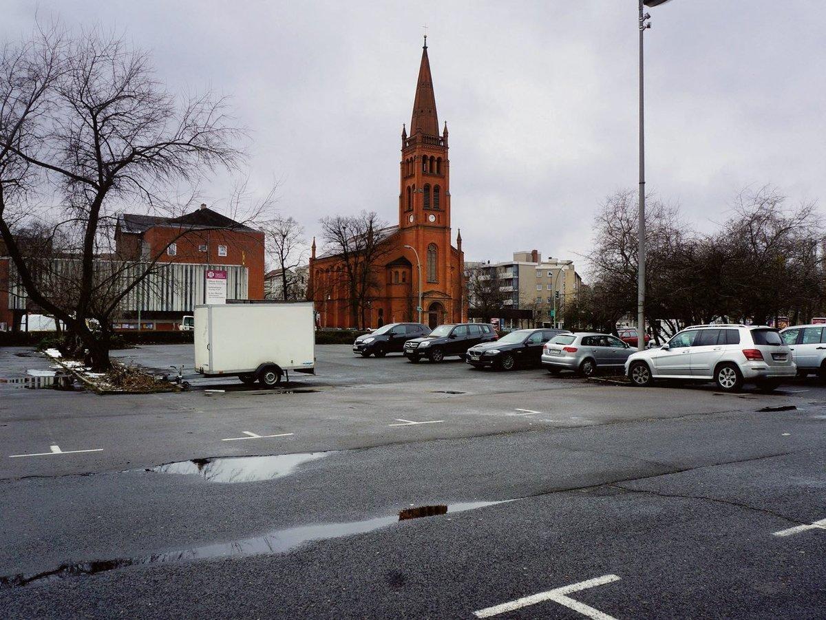 Auf Dem Parkplatz Von Möbel Hübner Entstehen 200 Mietwohnungen