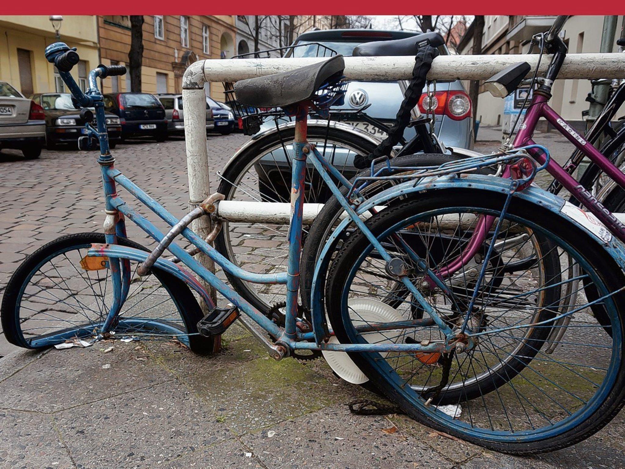 2014 landeten 250 fahrradwracks aus steglitz zehlendorf bei der bsr zehlendorf. Black Bedroom Furniture Sets. Home Design Ideas