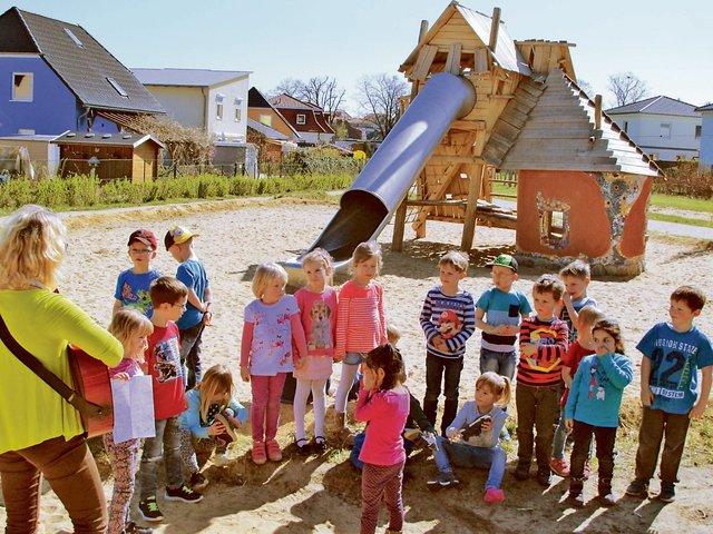 Klettergerüst Für Ziegen Bauen : Spielplatz thema