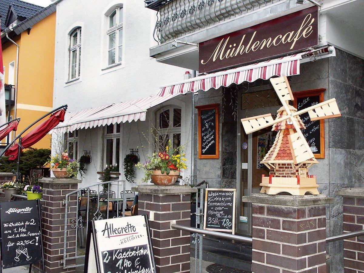 10 Jahre Muhlencafe In Der Alten Post In Der Artemisstrasse Lubars