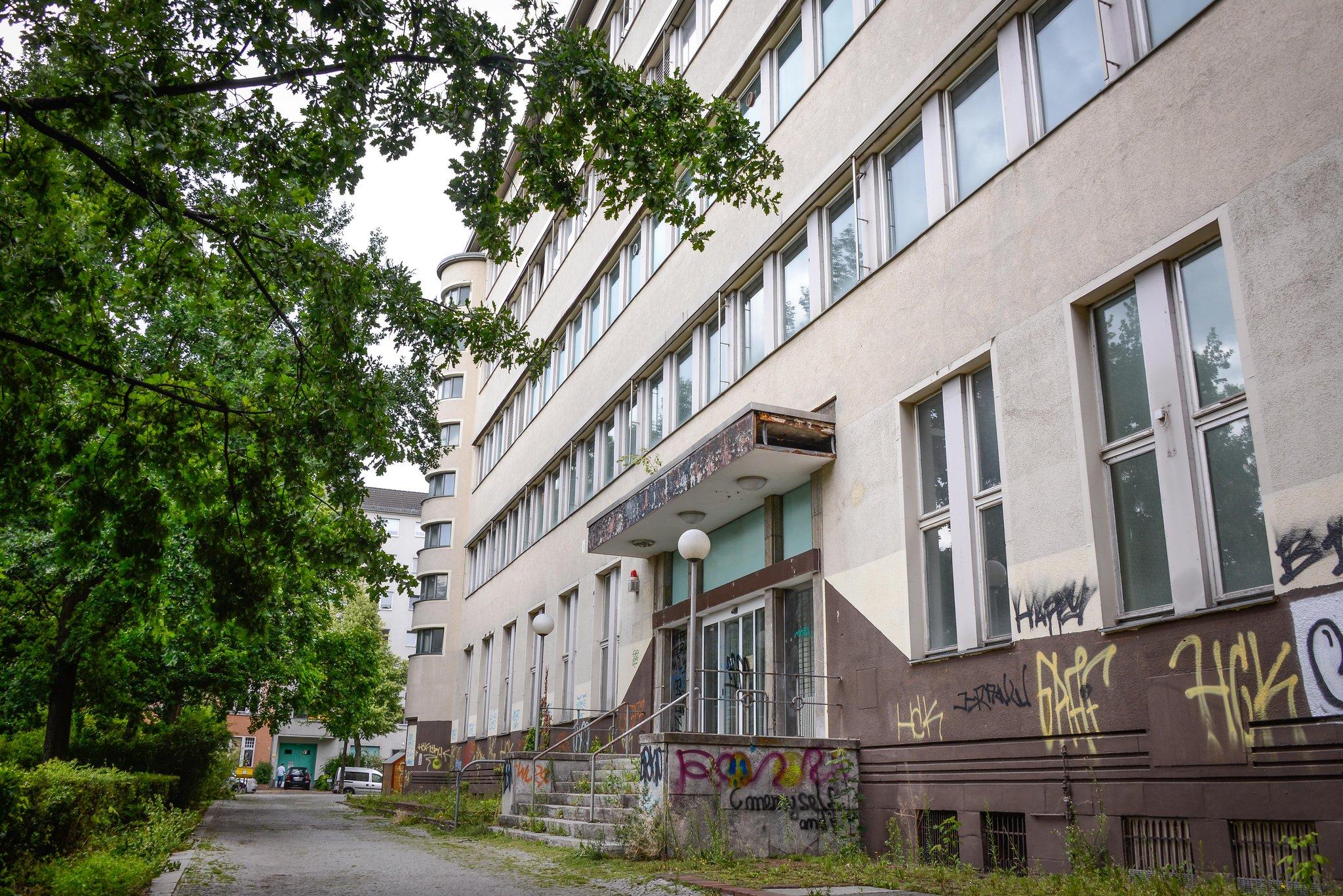 hochmeisterplatz bauwert ersetzt telekom geb ude durch wohnhaus wilmersdorf. Black Bedroom Furniture Sets. Home Design Ideas