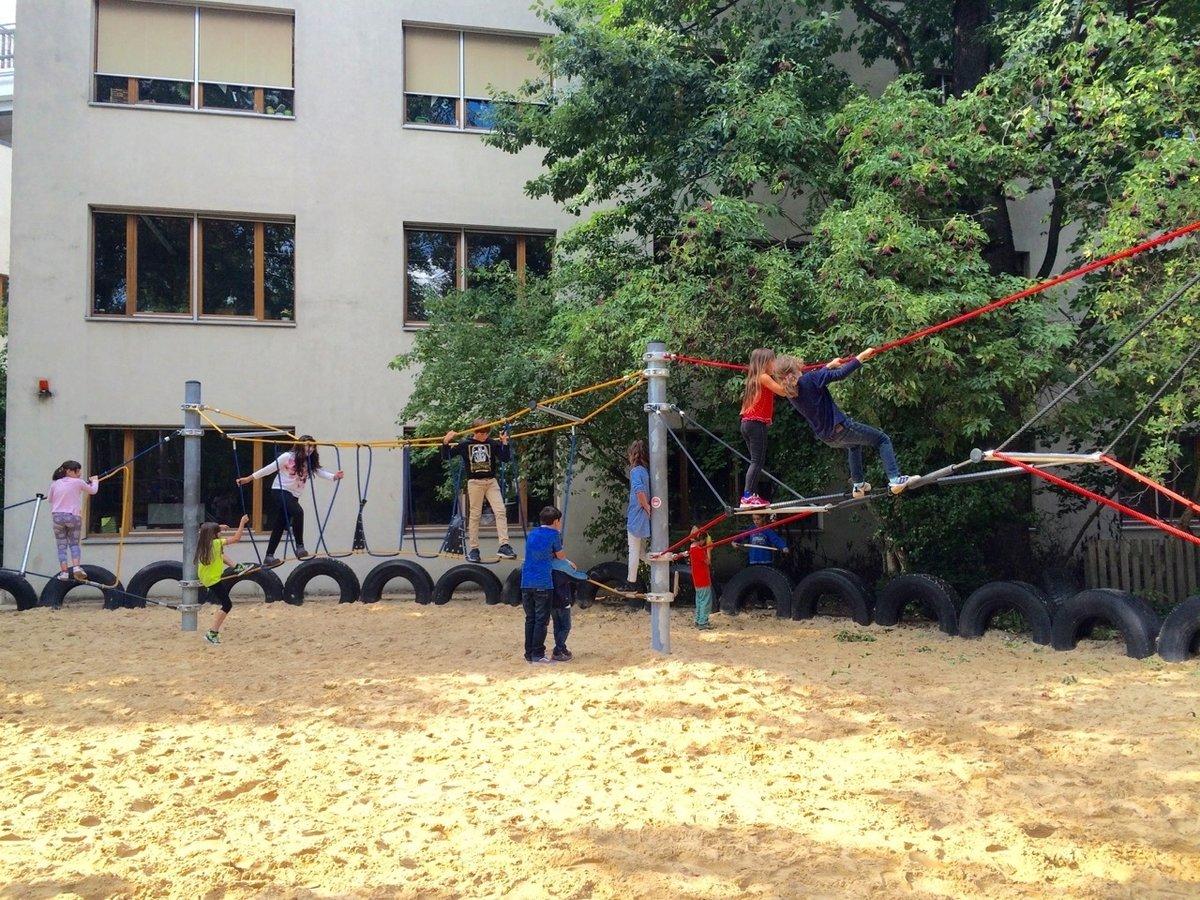 Klettergerüst Schulhof : Förderverein der athene grundschule initiiert neues klettergerüst