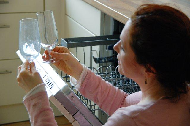 Häufig Milchige Gläser: Was in der Spülmaschine schiefgehen kann - Mitte WL97