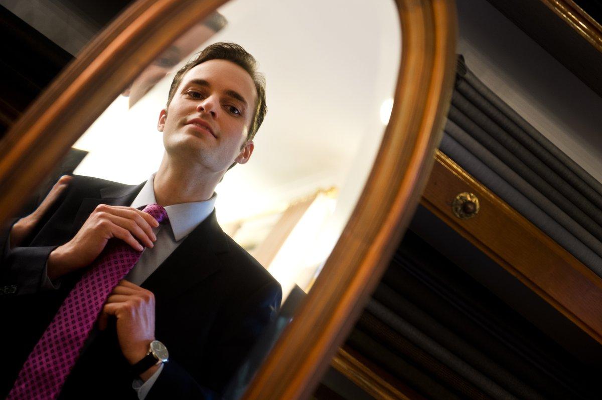Eine Handbreite Platz Zum Gürtel Die Aktuelle Mode Bei Krawatten