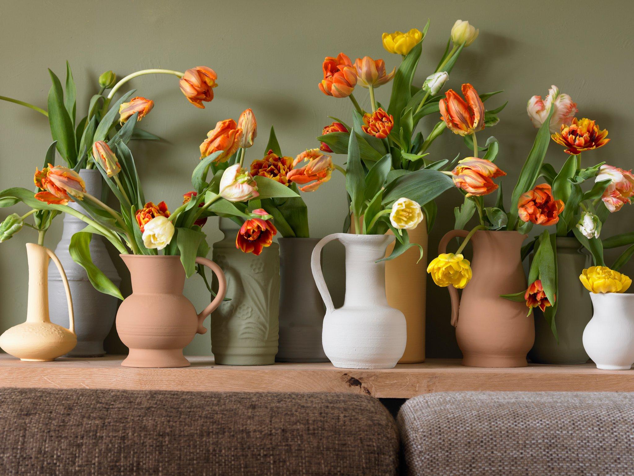fr hling im wohnzimmer so bleiben tulpen auch in der vase. Black Bedroom Furniture Sets. Home Design Ideas