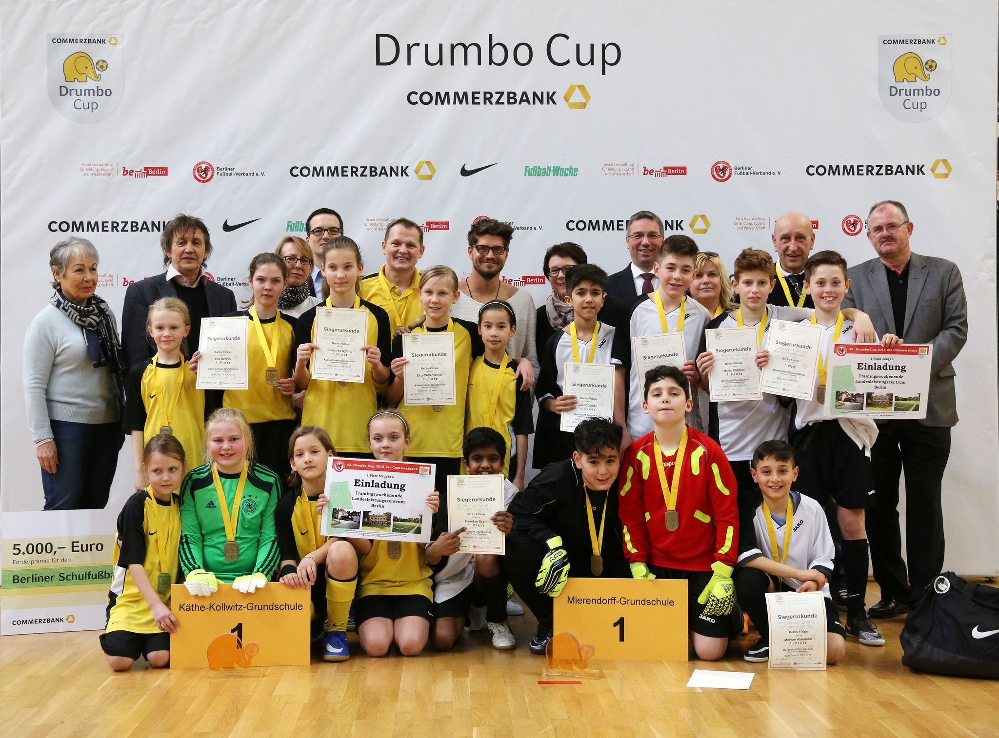 Ein Unvergessliches Erlebnis Sieger Des 42 Drumbo Cups Stehen
