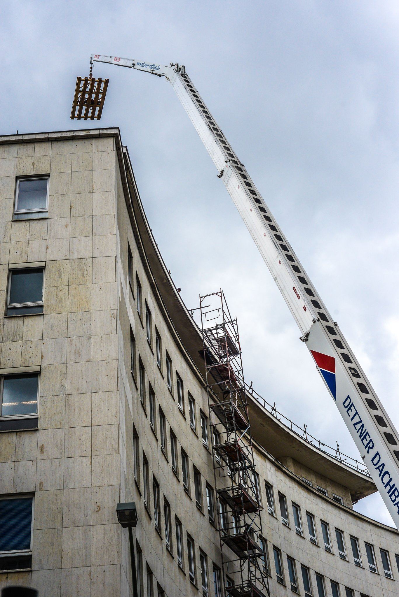 Gift im geb ude bezirk muss b rgeramt am hohenzollerndamm sanieren wilmersdorf - Kastenfenster sanieren berlin ...