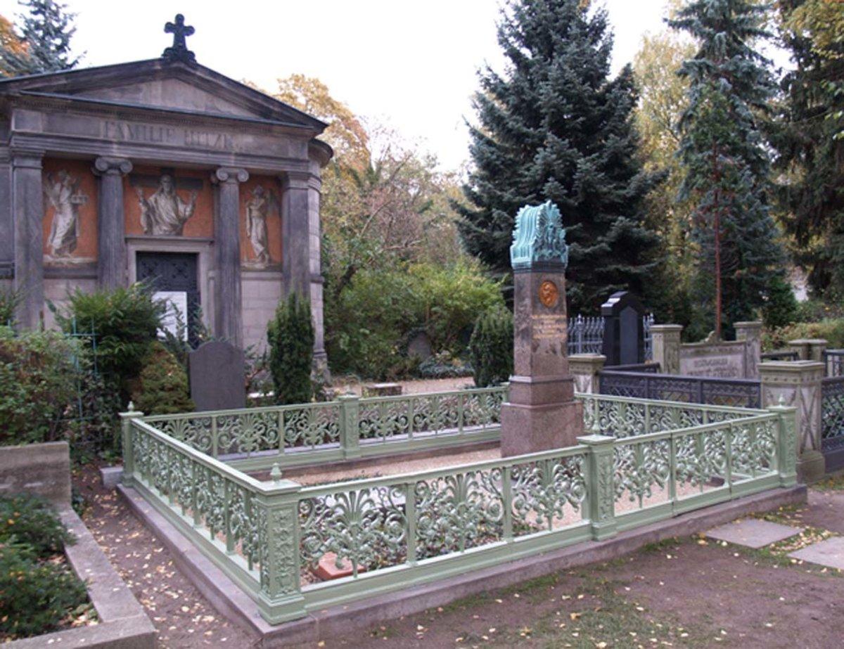 Grabstätte Familie Schinkel: Karl Friedrich, Susanne, Marie. Dorotheenstädtischer Friedhof, Chausseestraße Berlin. Foto: Anne Schäfer-Junker, 2011