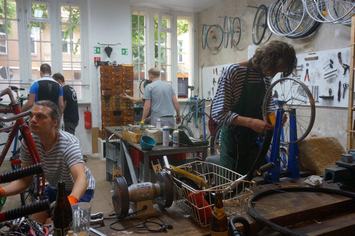 In der Rückenwind-Werkstatt werden Fahrräder wieder flottgemacht.