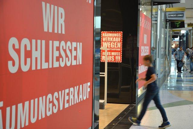 Laden Tetris Im Alexa Einkaufscenter Am Alexanderplatz Wird Neu Strukturiert Mitte