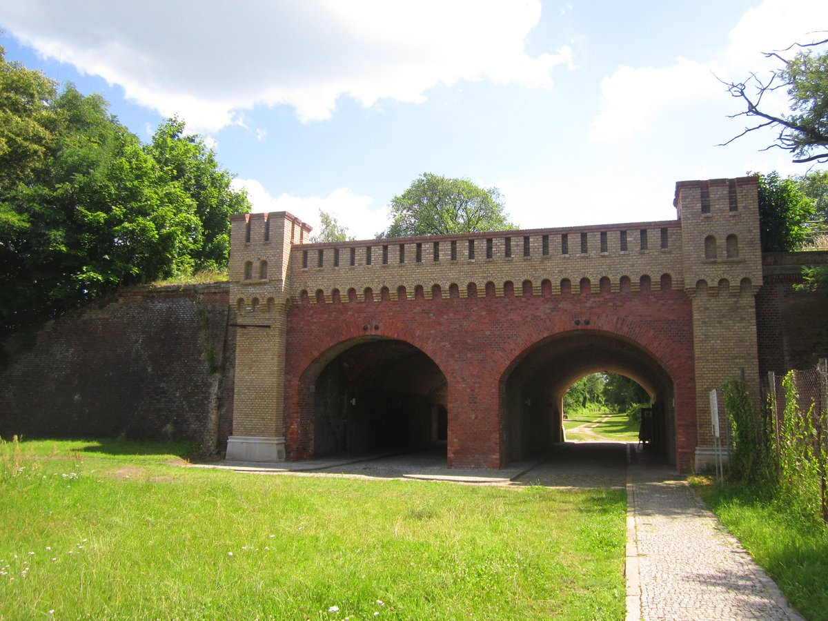 Im Berliner Tor befindet sich heute eine kleine Ausstellung zur Geschichte der Festung.
