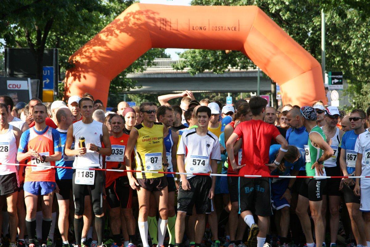 ein volkslauf für jedermann: mercedes-benz-halbmarathon findet zum