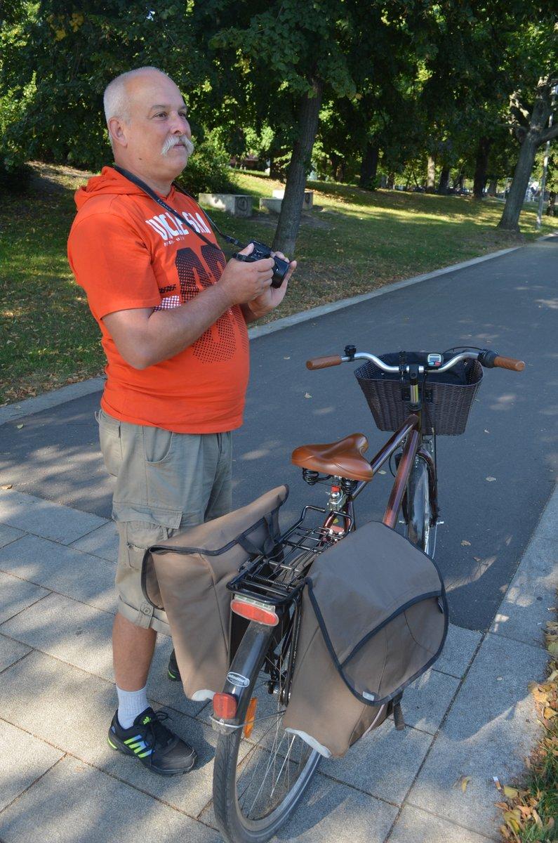 Thomas Müller in seinem Element: mit Fahrrad und Kamera.