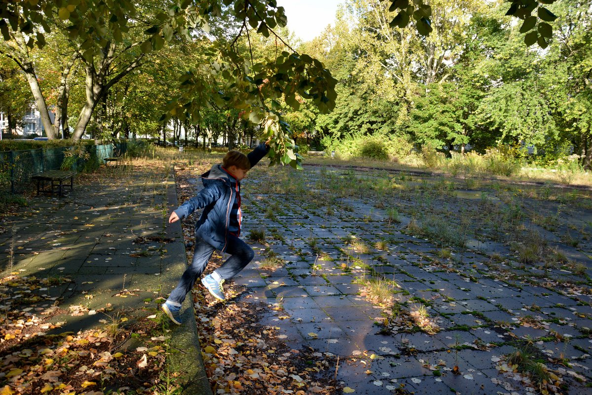 Gesperrte Plansche An Der Weydemeyerstrasse Wird Zum Wasserspielplatz