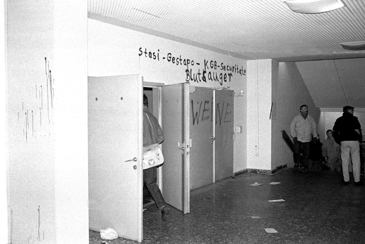 Sturm auf die Stasizentrale, Berlin 15.1.1990, Haus 18.