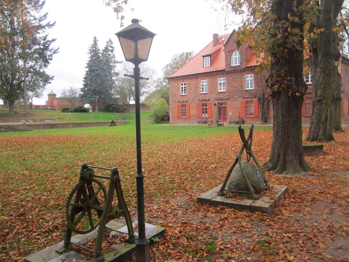 Im Zeughaus der Festung ist eine Ausstellung zum Biosphärenreservat Flusslandschaft Elbe untergebracht.