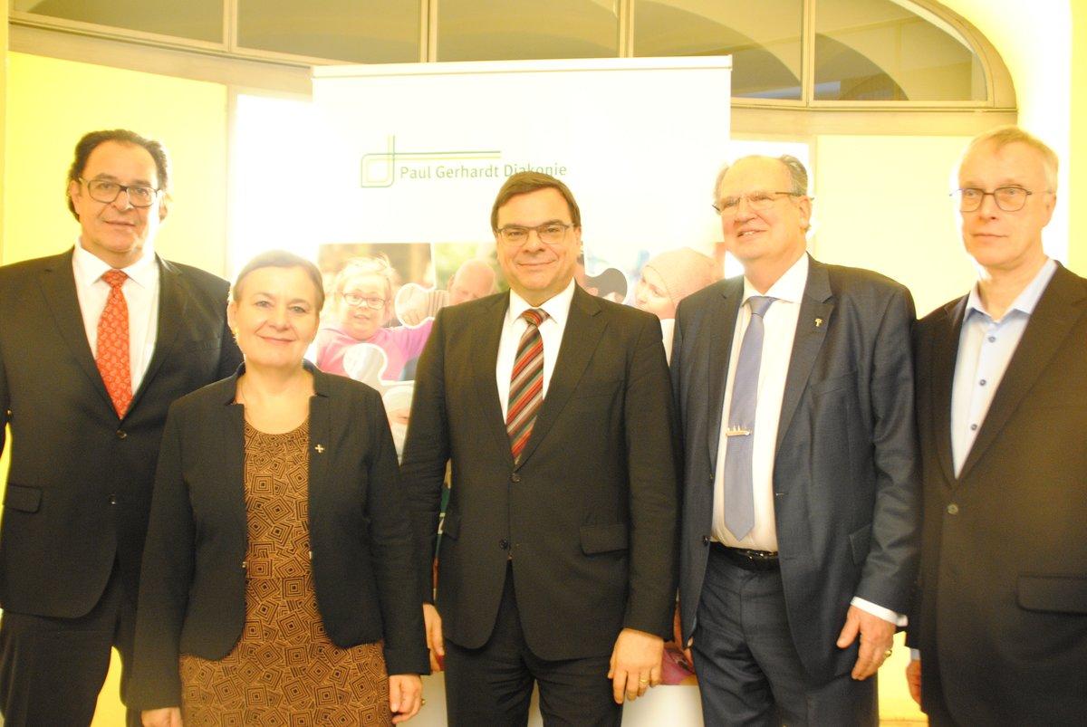 Fusion besiegelt: Martin von Essen, Pfarrerin Ulrike Trautwein, Andreas Mörsberger, Ulrich Seelemann und andreas Arentzen.