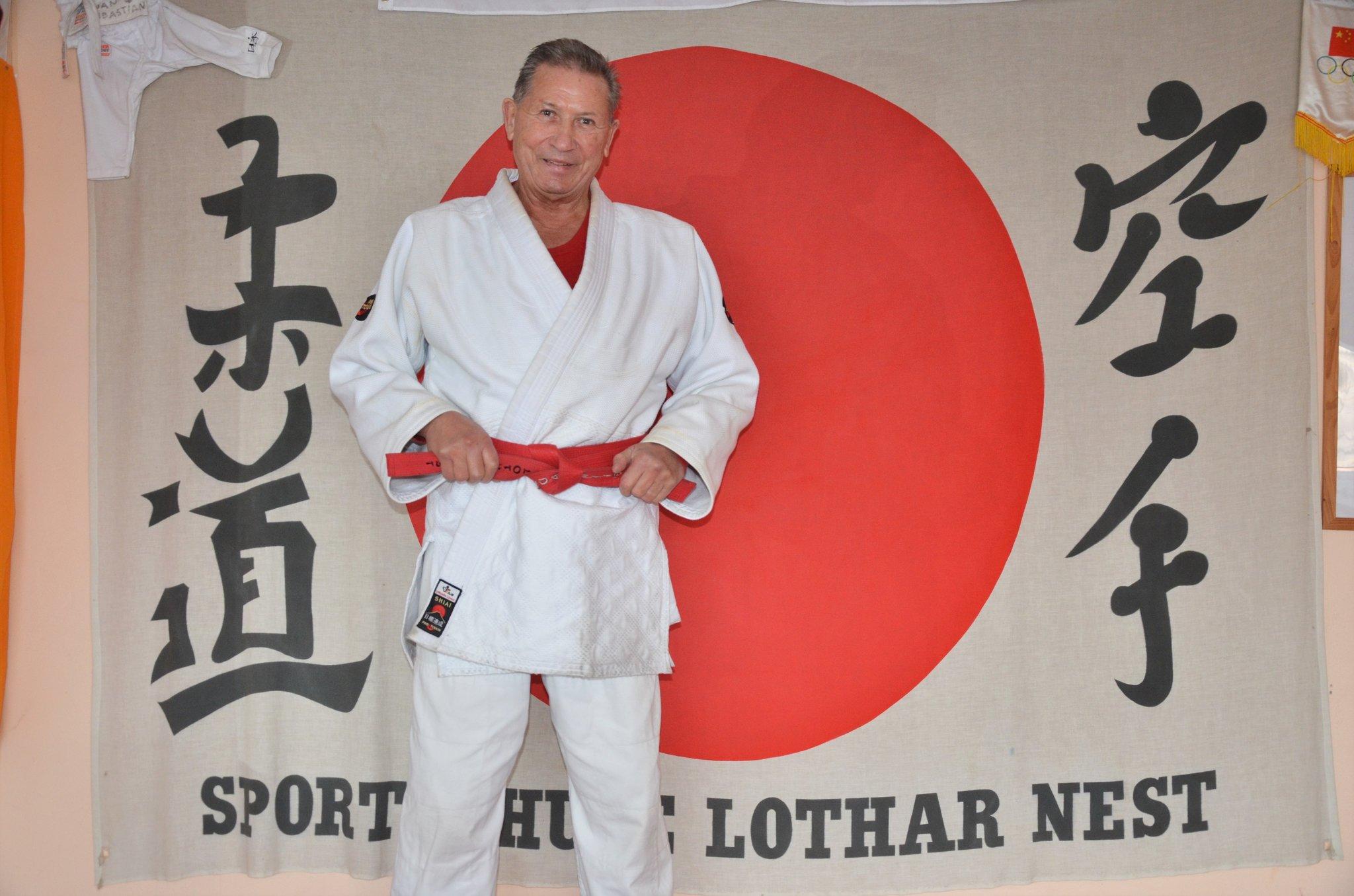 Kampfsportveteran Lothar Nest Mit Dem 10 Dan Geehrt Mariendorf