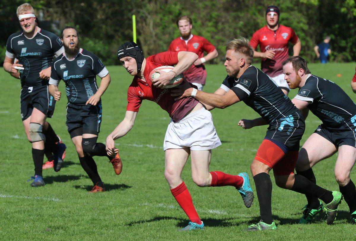 Für den Berliner SV 92 (rot) – hier um Duell mit Jena am 28. April – ist der Aufstieg in die 1. Rugby-Bundesliga zum Greifen nah.