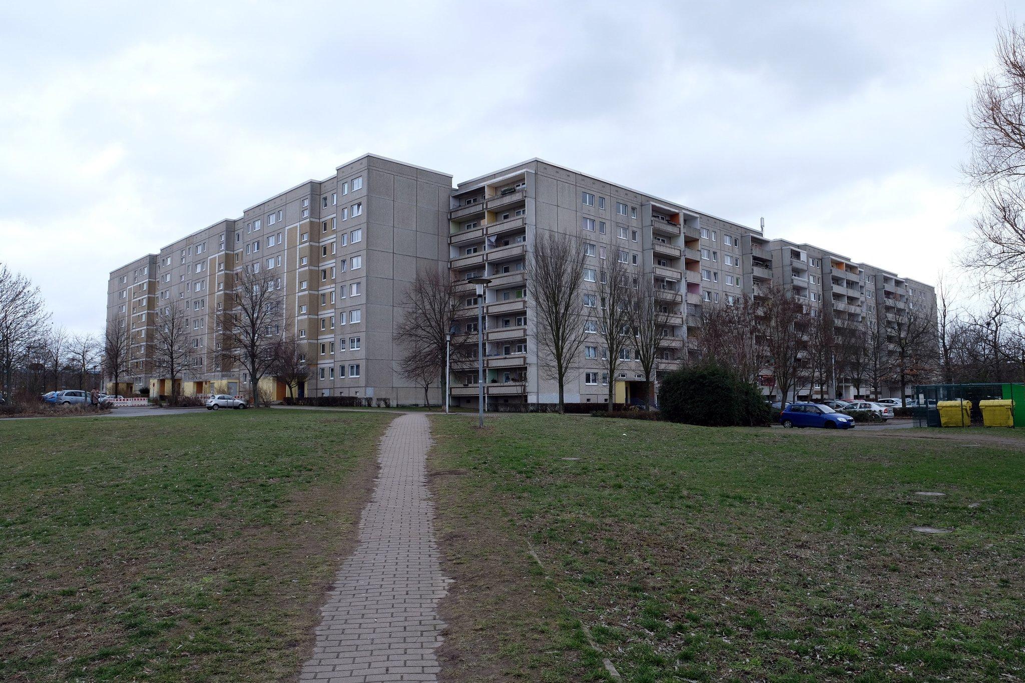 das kosmosviertel geh rt wieder berlin kommunales wohnungsunternehmen stadt und land kauft mehr. Black Bedroom Furniture Sets. Home Design Ideas