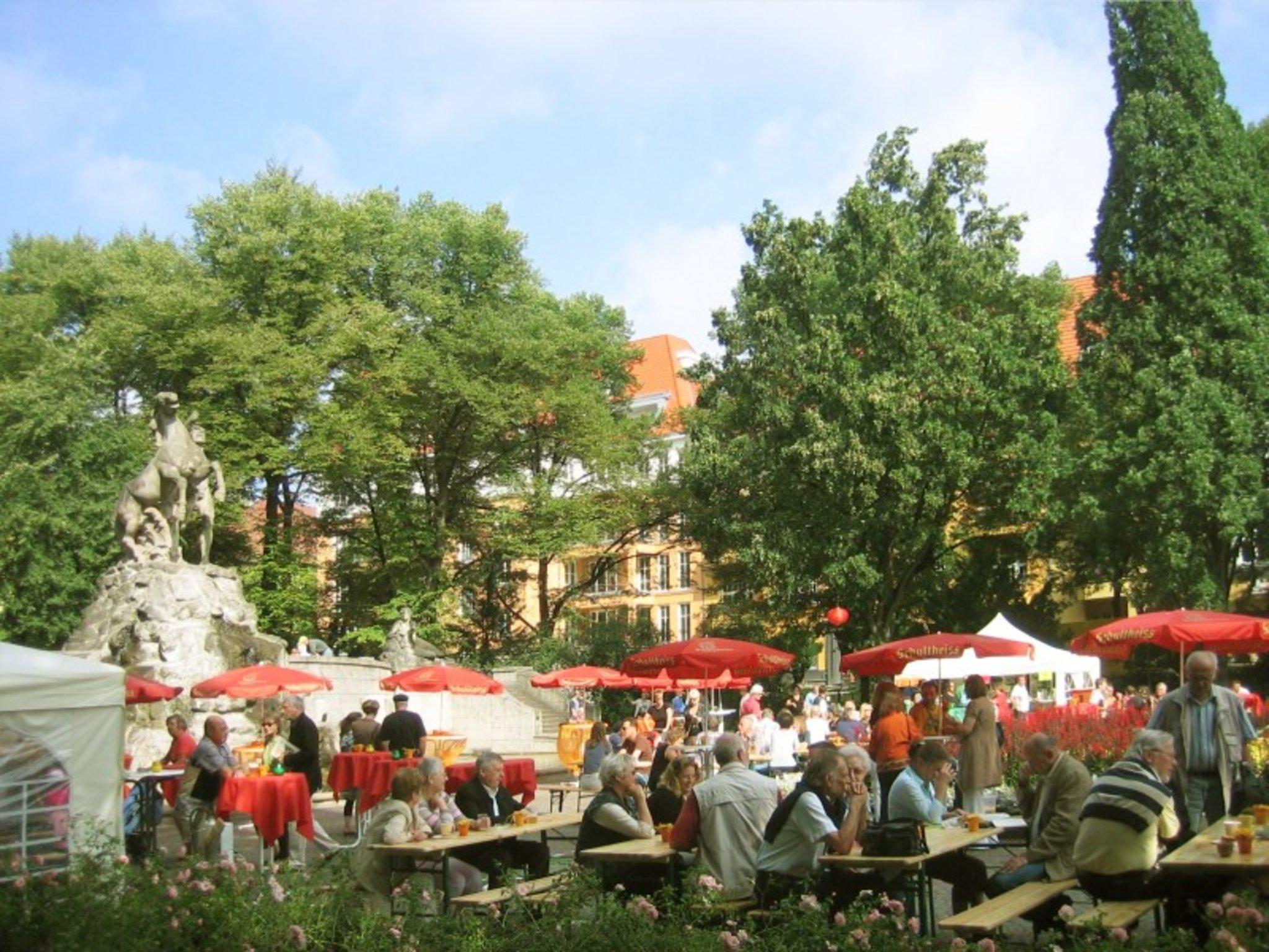 Weinfest rüdesheimer platz Rüdesheimer Platz